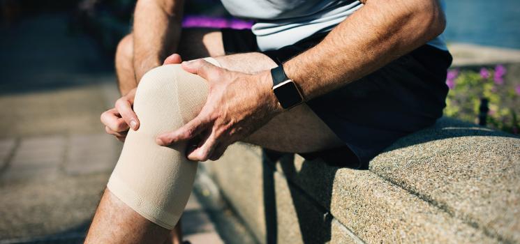 Knie-OP oder Zweitmeinung: Was tun bei Arthrose im Knie oder Riss von Kreuzband und Meniskus?